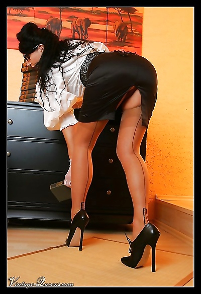 Office lady in sexy vintage..