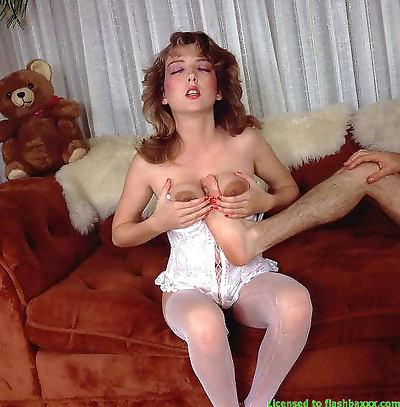 Very hot vintage babes -..