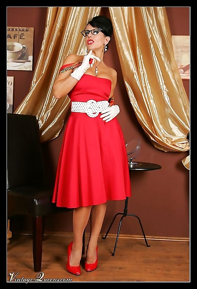 Retro babe in fifties outfit - part 1047