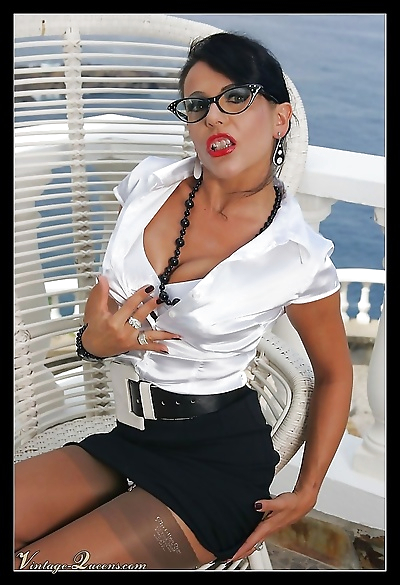 Eve posing in retro white lingerie and stockings - part 1011