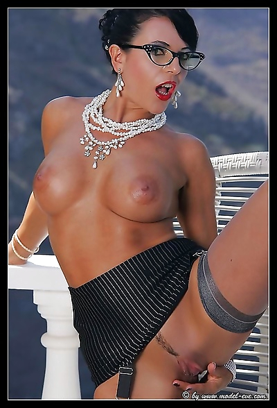 Busty glamour stocking model eve outdoors - part 945