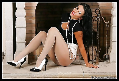 Pantyhose model eve and her great nipples - part 942