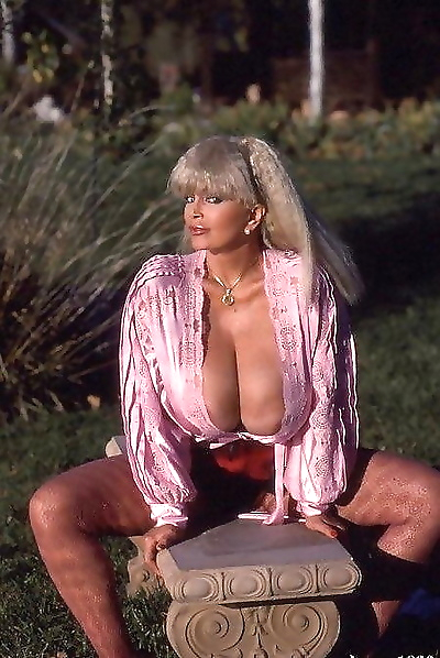 Busty vintage blonde candy samples gets fucked hard - part 4884