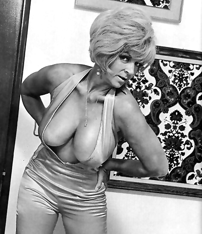 Busty vintage chick candy samples haven fucking hardcore - part 4137